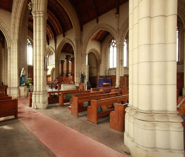 St Benet Fink, Walpole Road, Tottenham - Interior