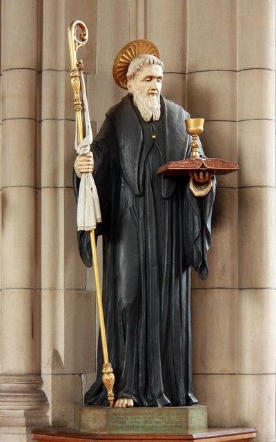 St Benet Fink, Walpole Road, Tottenham - Statue