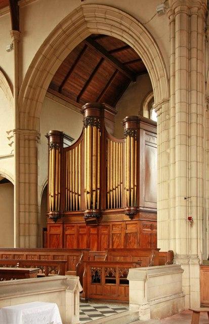 St Benet Fink, Walpole Road, Tottenham - Organ