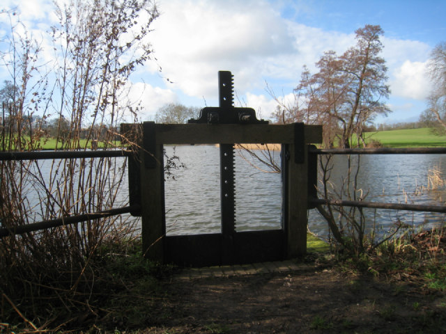 Sluice gate - Wimpole estate