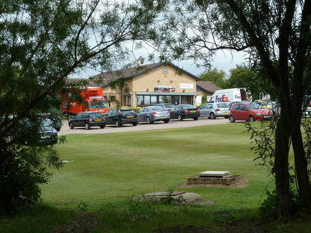 Club House  Rother Valley Golf Course  U00a9 Andrew Hill