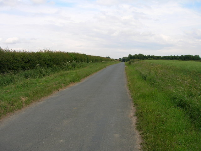 Holbecks Lane towards Lower Dunsforth