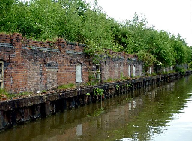 Disused wharf near Mount Pleasant, Stoke-on-Trent
