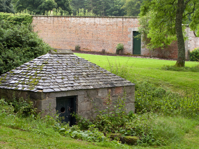 Small building - possible ice house - at Castle Fraser