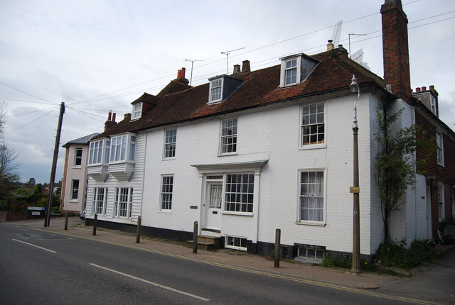 Row of Grade II listed cottages, The Hill