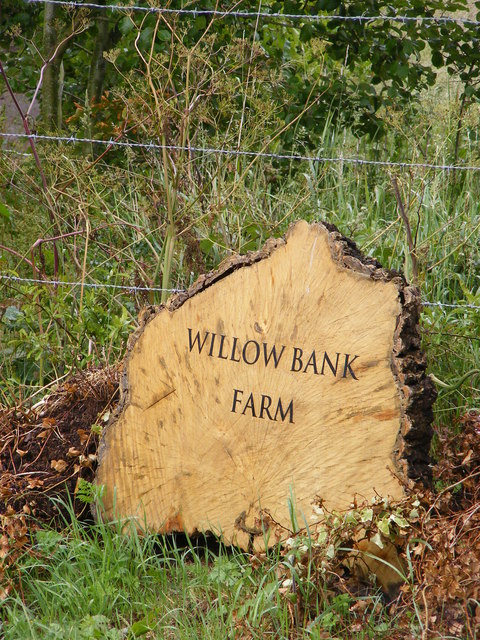 Willow Bank Farm sign