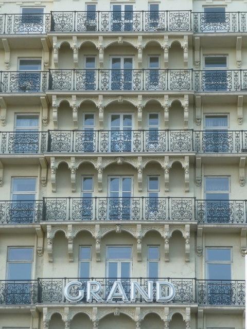 Brighton: Grand Hotel balconies