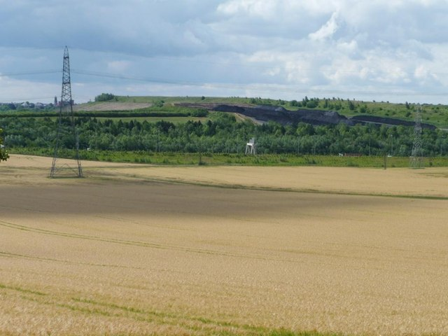 Arable land at the edge of Castleford