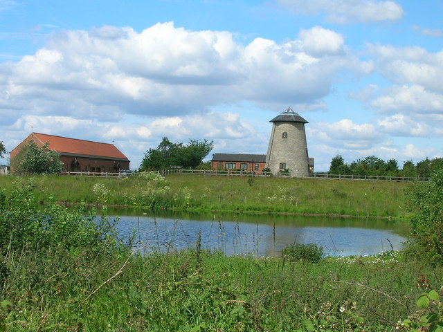 Converted windmill, Weeland Road (A645)