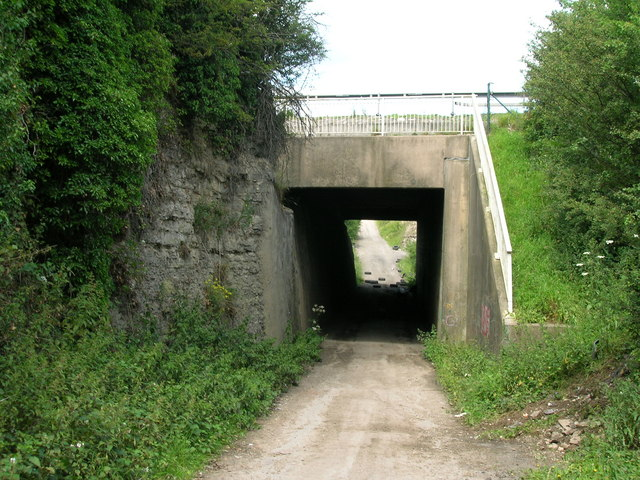 Motorway bridge over Leys Lane