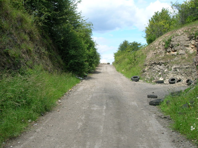 Leys Lane heading north