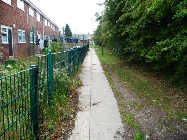 Footpath behind Windermere Drive