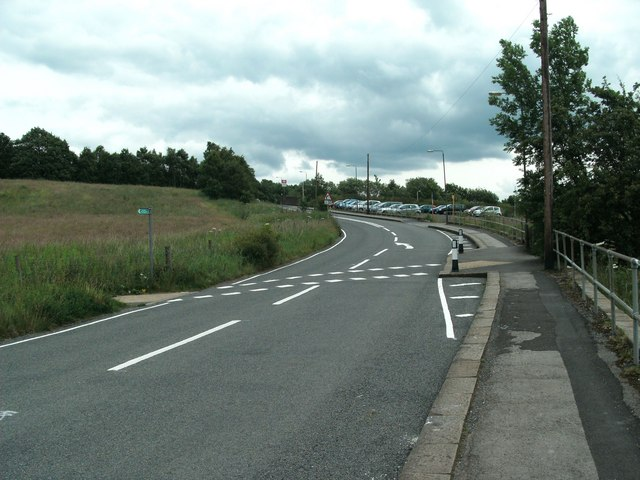 Footpath crossing Dinting Road