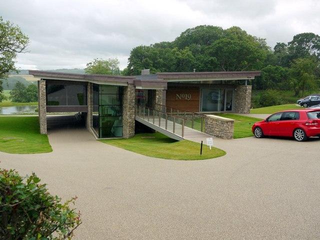 39 No 19 39 Golf Club House Close House Andrew Curtis