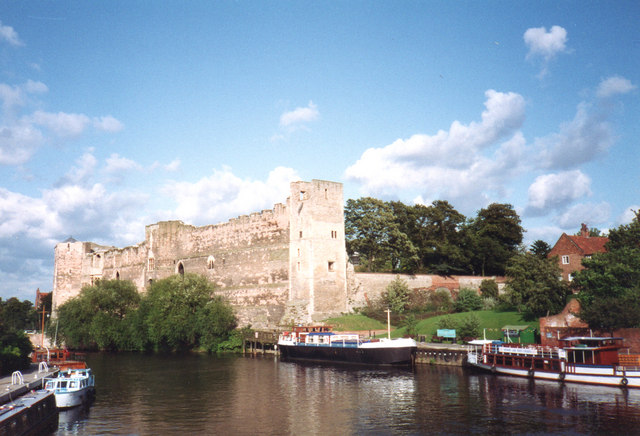Pleasure boats on the Trent and Newark Castle, 1993