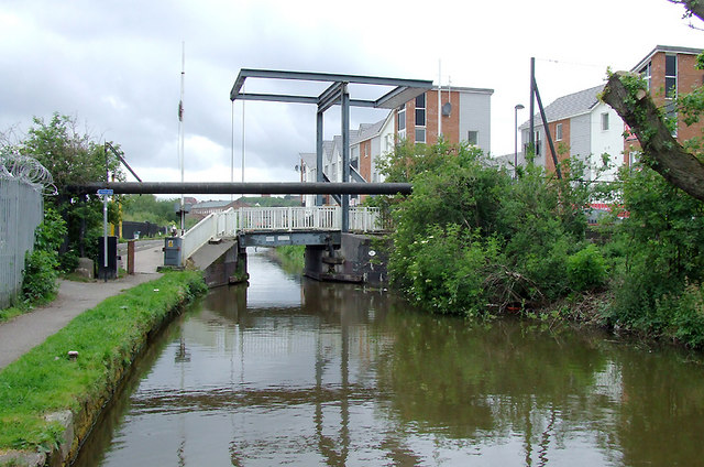Ivy House Lift Bridge east of Hanley, Stoke-on-Trent