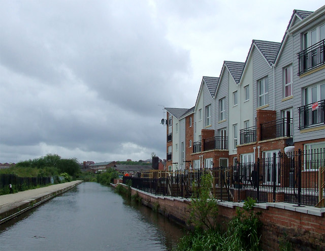 Caldon Canal east of Hanley, Stoke-on-Trent