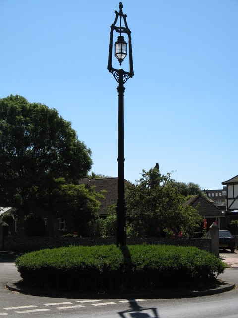 Farncombe Road / Church Walk Lamp Post