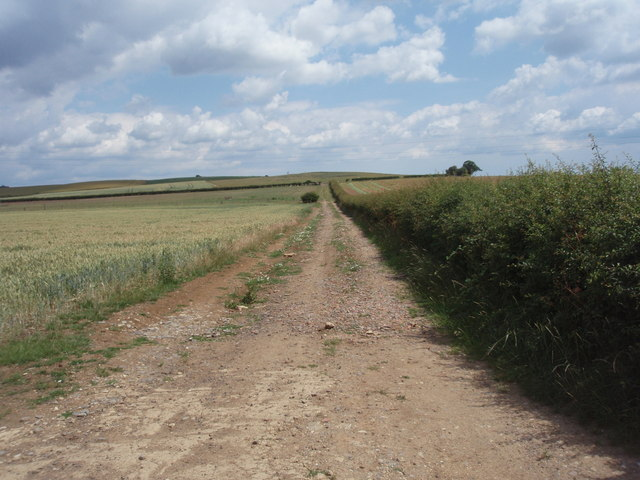 Farm track near Obthorpe