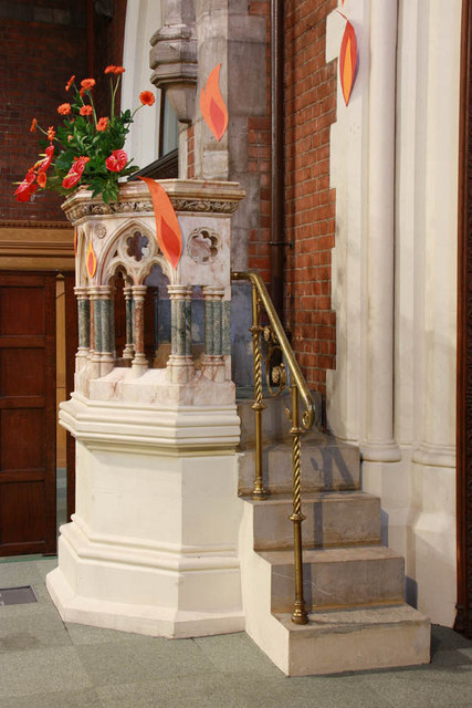 St Gabriel, Walm Lane, Cricklewood - Pulpit