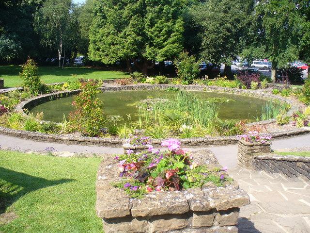 Round Pond, Stoke Park