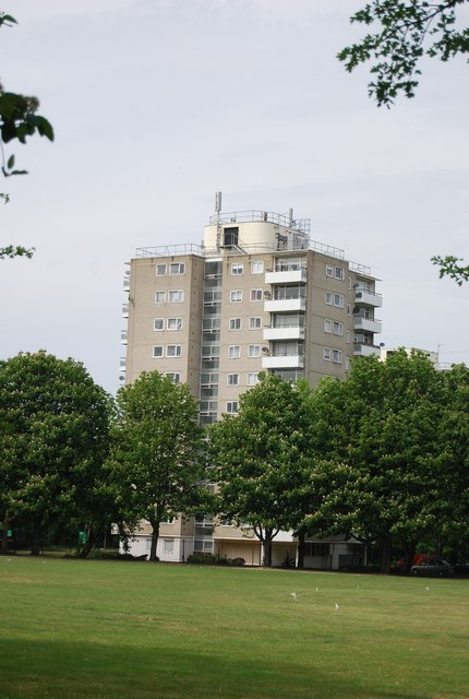 Tower block, edge of Wandsworth Common