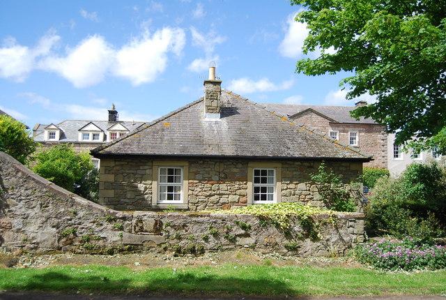 Lodge, Beadnell Hall © N Chadwick cc-by-sa/2.0 :: Geograph ...
