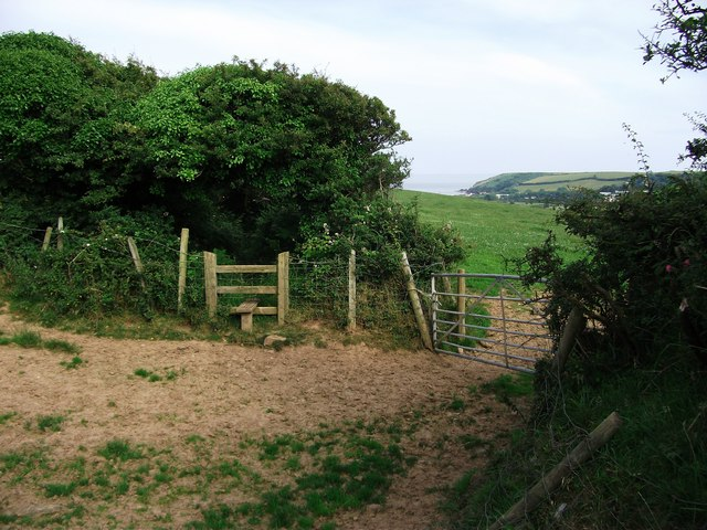 Footpath towards Freshwater East