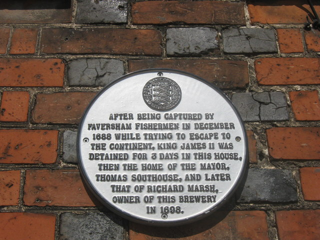 Plaque on No.18 Court, Faversham