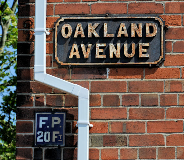 Oakland Avenue sign, Belfast