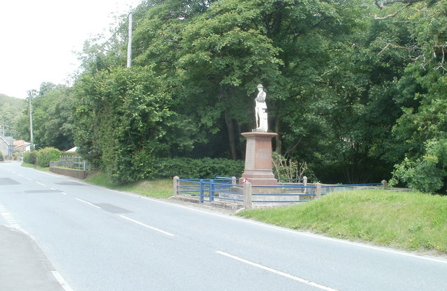Llanwrda War Memorial
