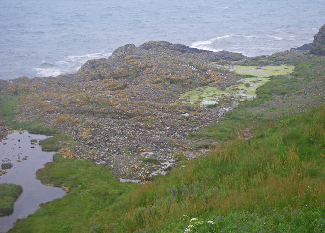 Conglomerate shoreline south of Todhead Point