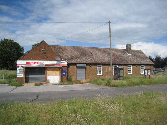 Abandoned shop, Hemswell Cliff