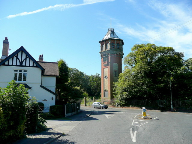 Heapham Road water tower