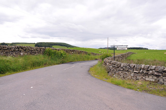 Farm road to Glenmaid
