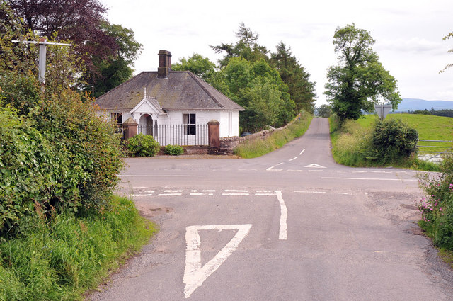 Crossroads near Riddingwood House