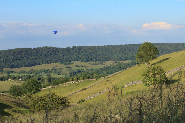 Balloon over Ditch Cliff