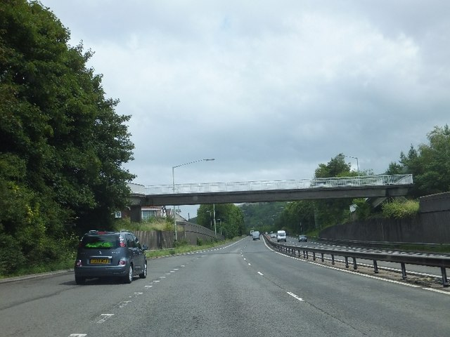 Footbridge within Trallwn over A470