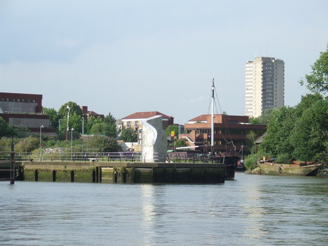 River bank at Brentford