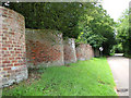 TM3973 : Old crinkle-crankle wall beside Walpole Road, Bramfield by Evelyn Simak
