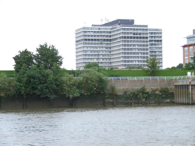 River bank near Hammersmith