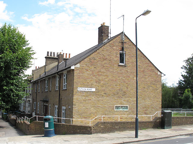 Housing on Humber Road
