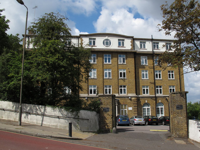 Woodland Heights, Vanbrugh Hill