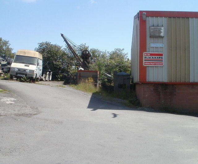Small crane, Griff's Garage, Barry