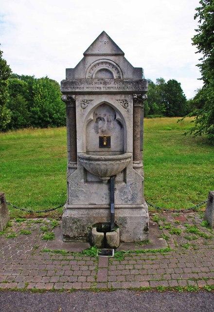 Stone drinking fountain, Worcester Road, Malvern Link