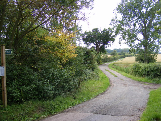 Footpath to Scott's Lane & entrance to High House Farm