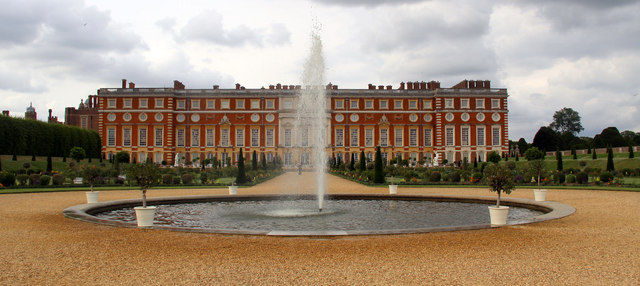 Fountain, Hampton Court Palace, Surrey