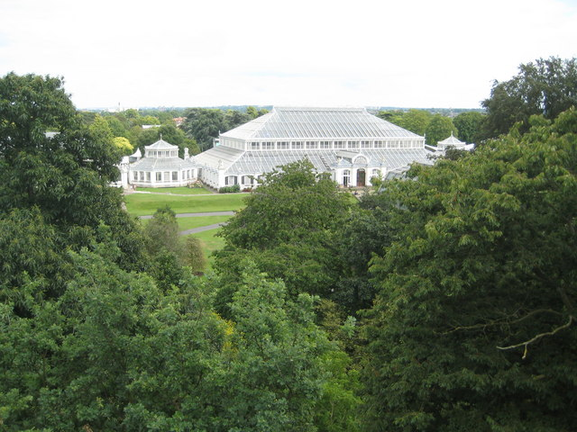 Kew: The Royal Botanic Gardens: The Temperate House