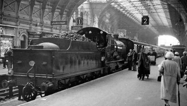 'City of Truro' at Paddington