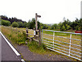 SD7117 : Gate, Signpost and Stile by David Dixon
